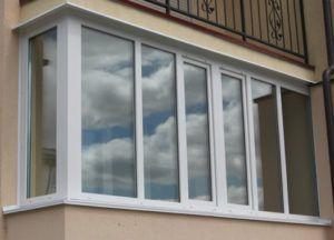 osteklenie-balkonov-i-lodjiy-4-300x216