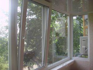 osteklenie-balkonov-i-lodzhiy_new_639d2875Zm2kua_800x600-300x225